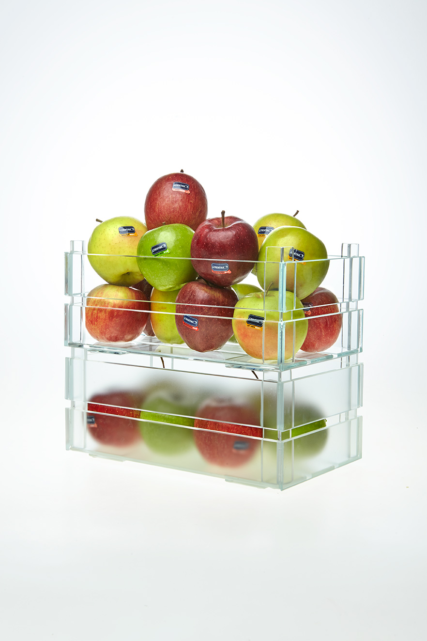 The Apple box/Ricordo di un portafrutta by Emanuele Magini