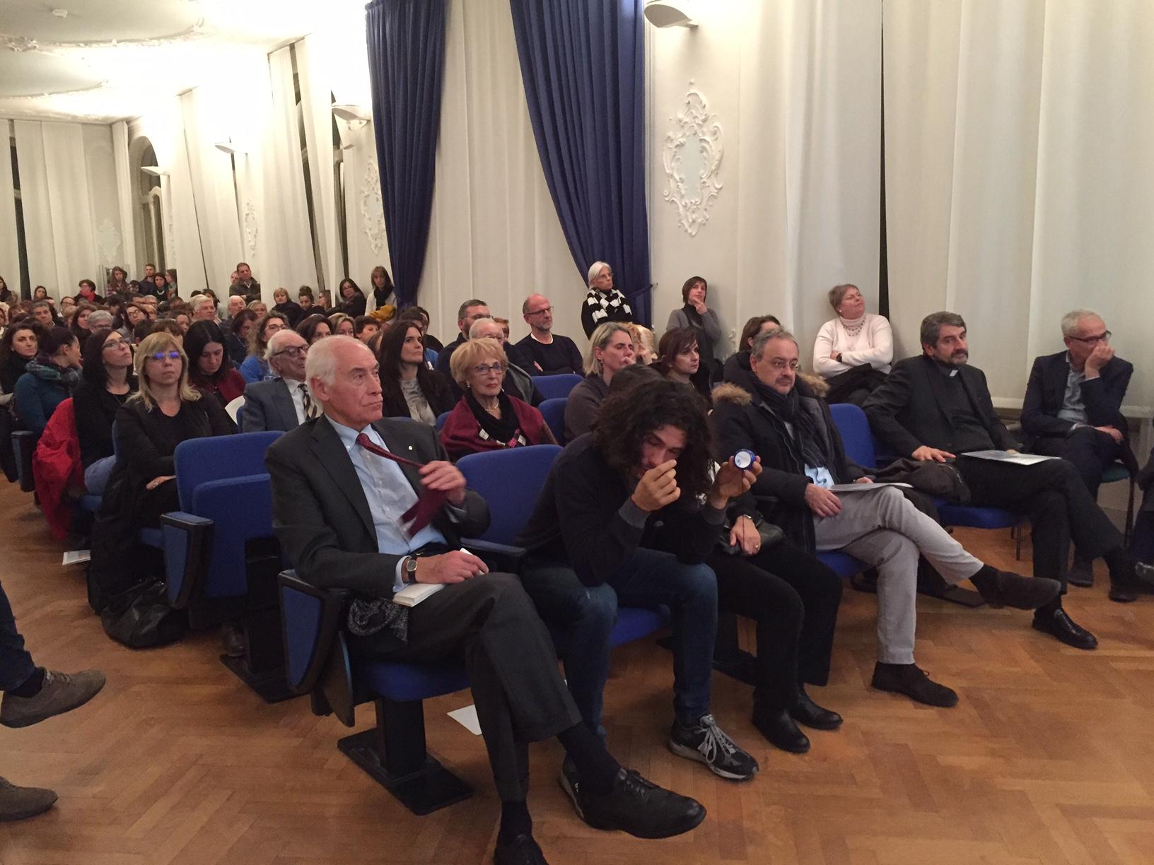 Una rete d'aiuto a Varese: nasce Blu Lab. (Gruppo 9)